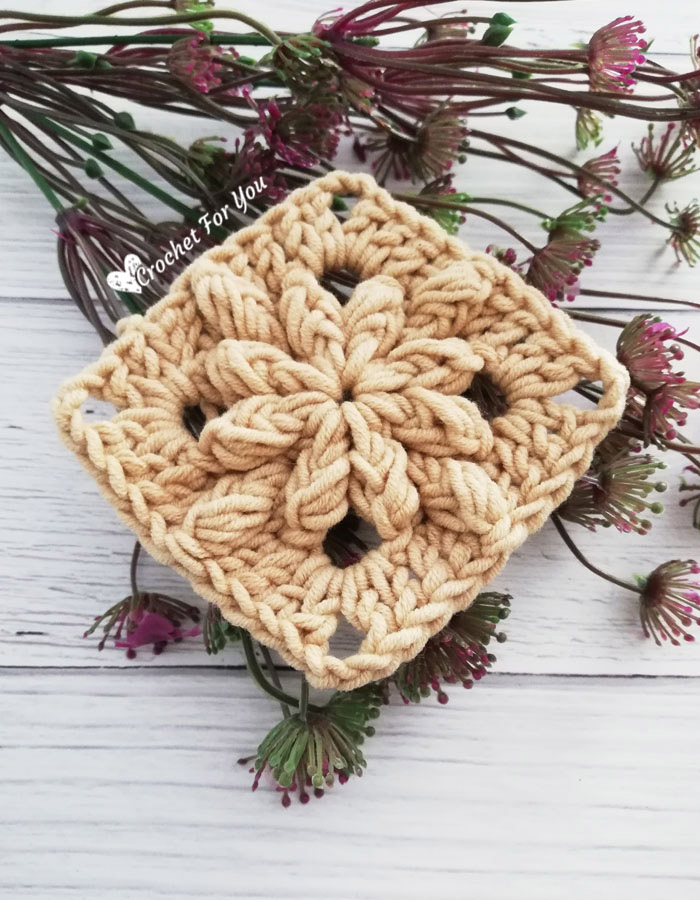 Crochet Bobble Drops Flower Granny Square in Solid Color