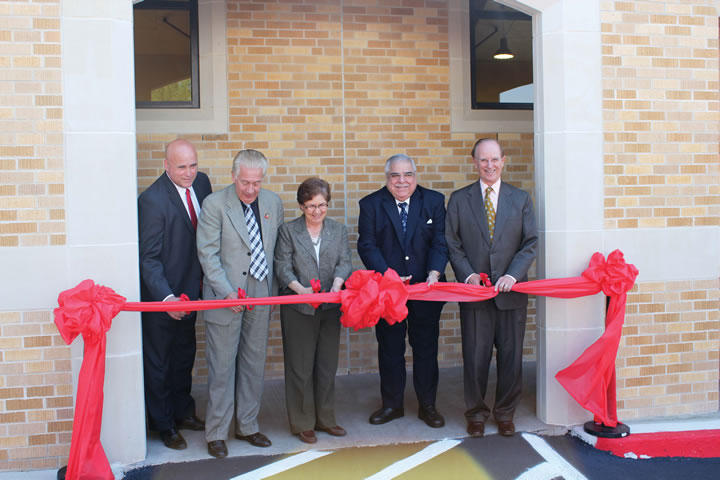 UIW Brainpower Center for Fencing and International Sports opens