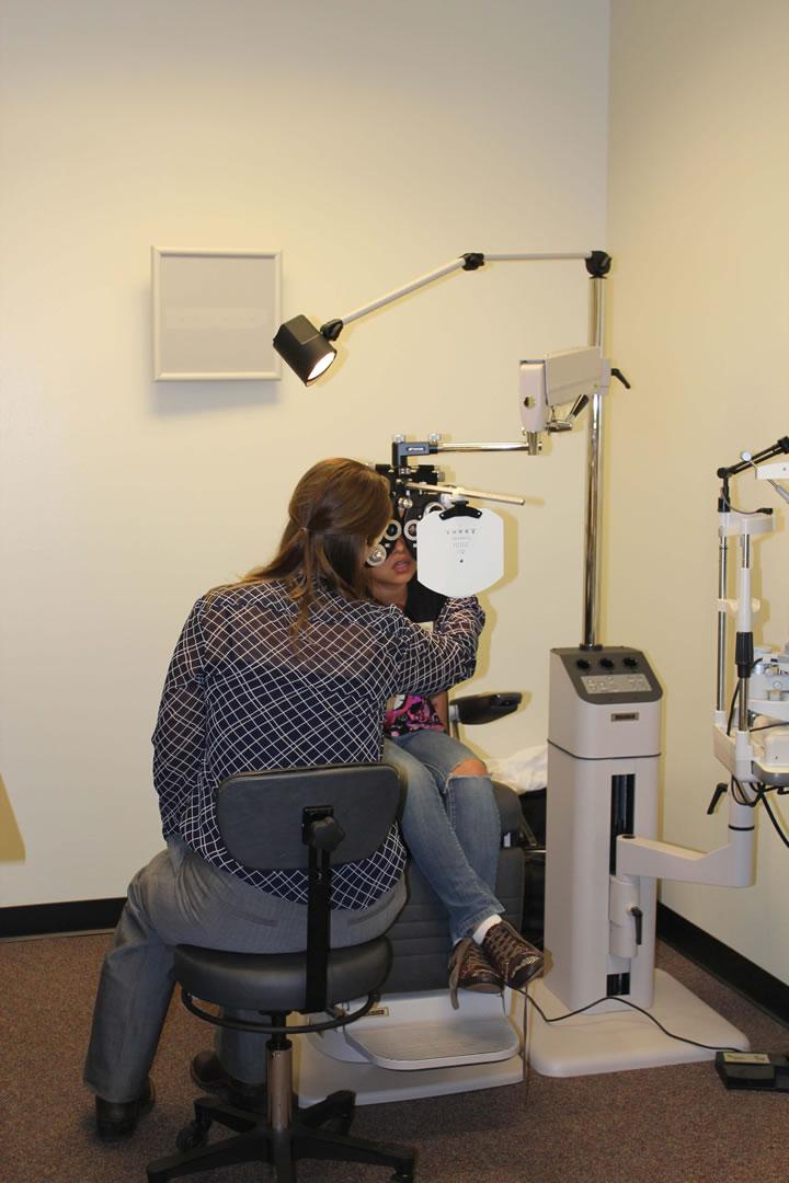 UIW's Rosenberg School of Optometry teams with NISD to provide eye examinations