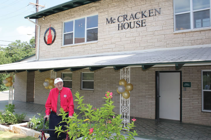 UIW dedicates the McCracken House