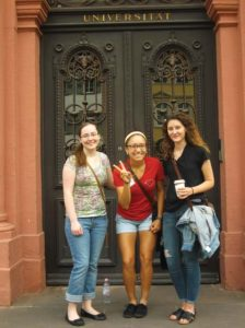 (L-R) Students Davis, Salinas and Fritts at Heidelberg University's administration building.