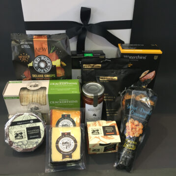 Noosaville Gourmet Savory Cheese Hampers
