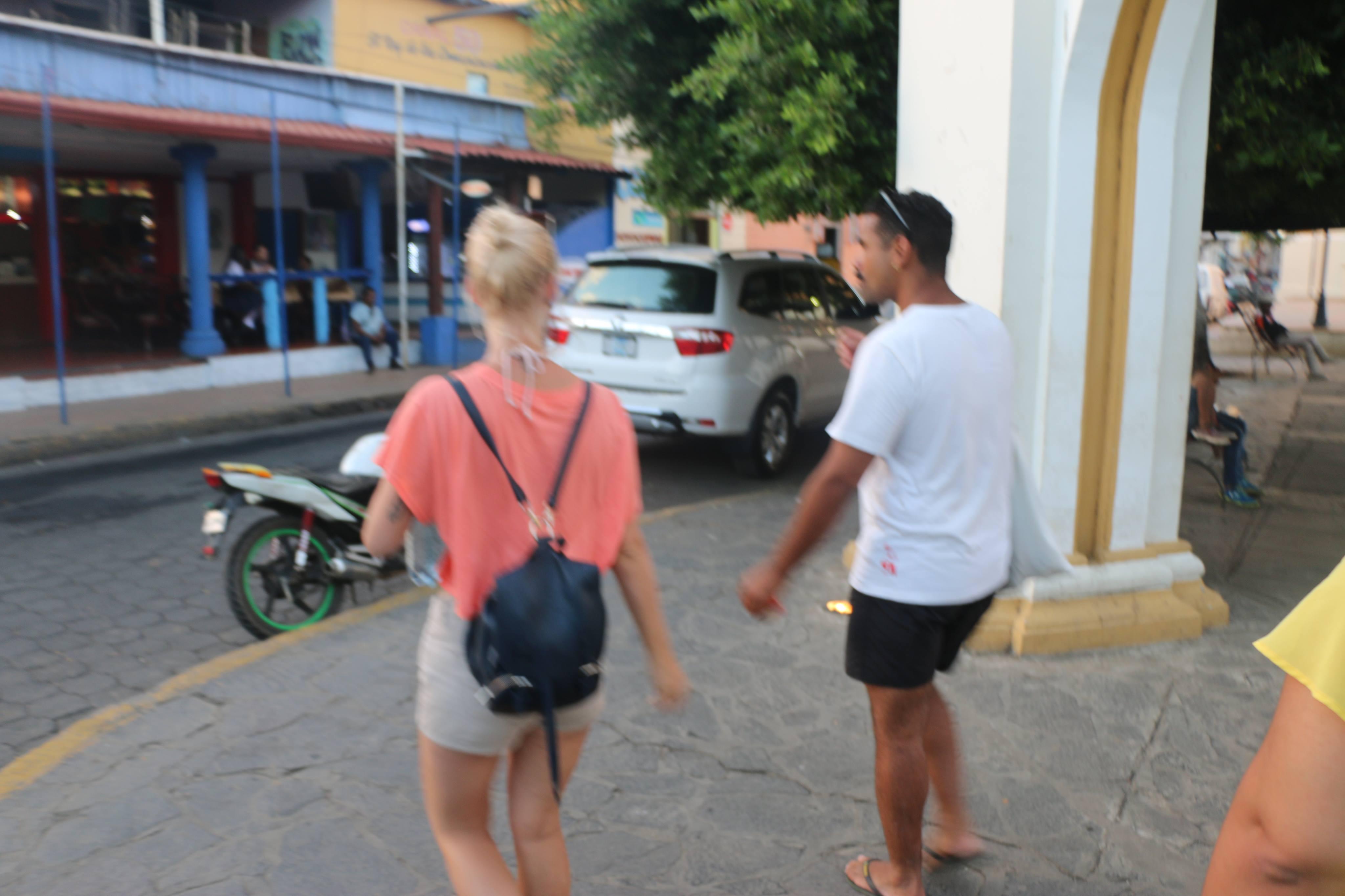 Una hermosa caminata por León Nicaragua