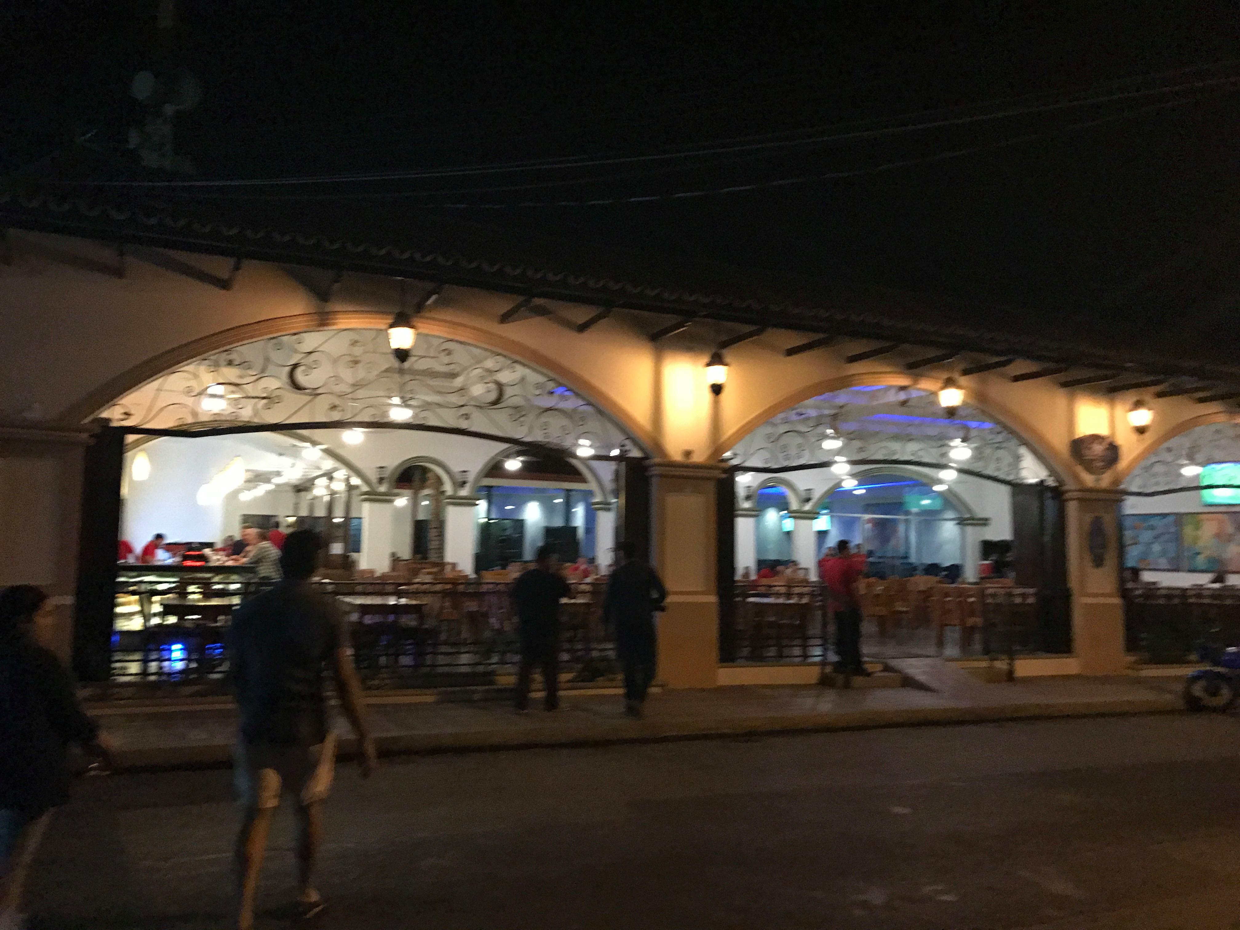 La vida nocturna en León Nicaragua