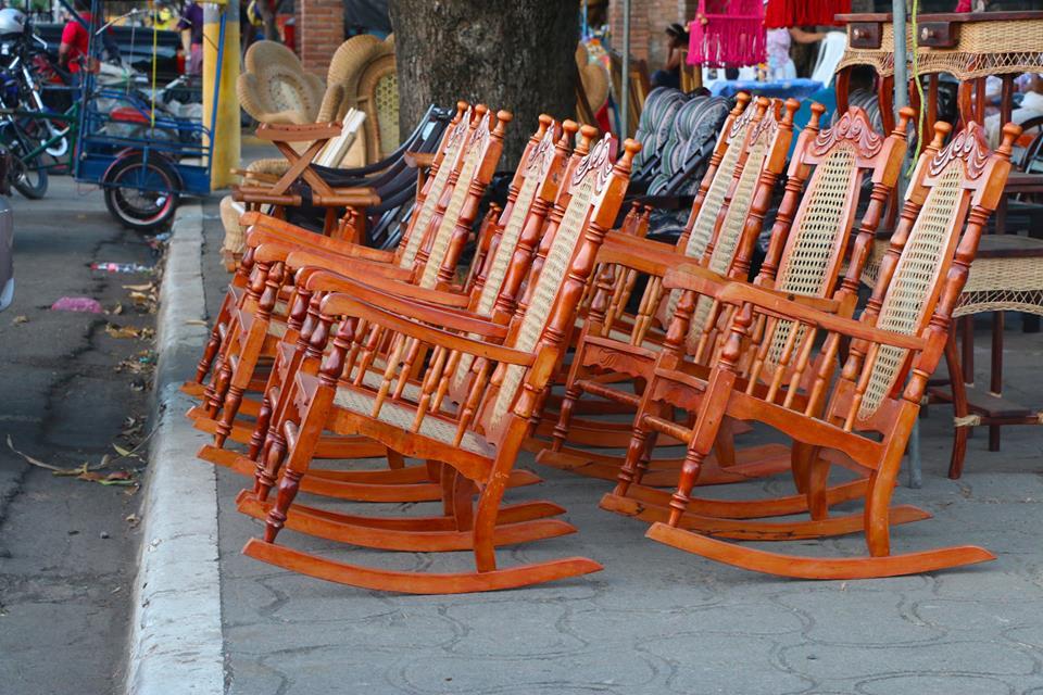 Lugares populares para comprar sillas abuelitas en Nicaragua