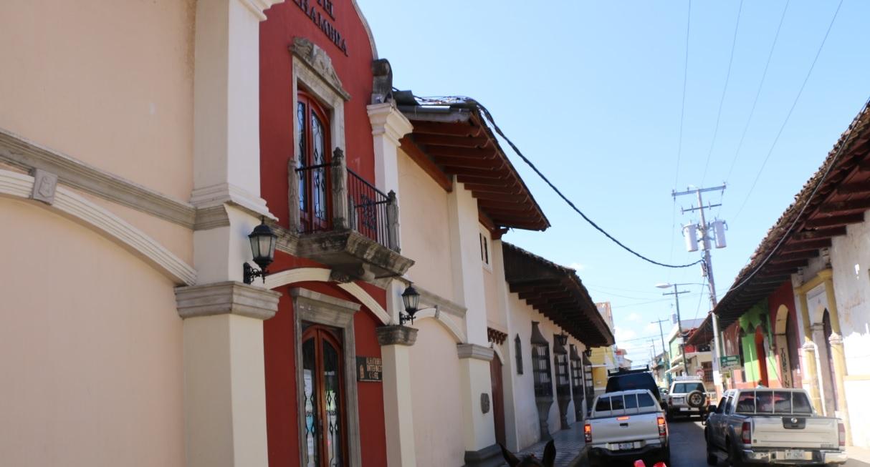 Recorrer las Calles de Granada en Coche