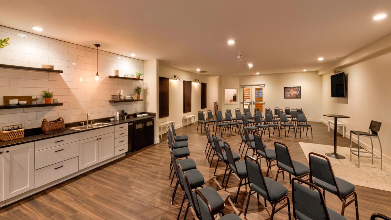 camp_woodlands_conference_room