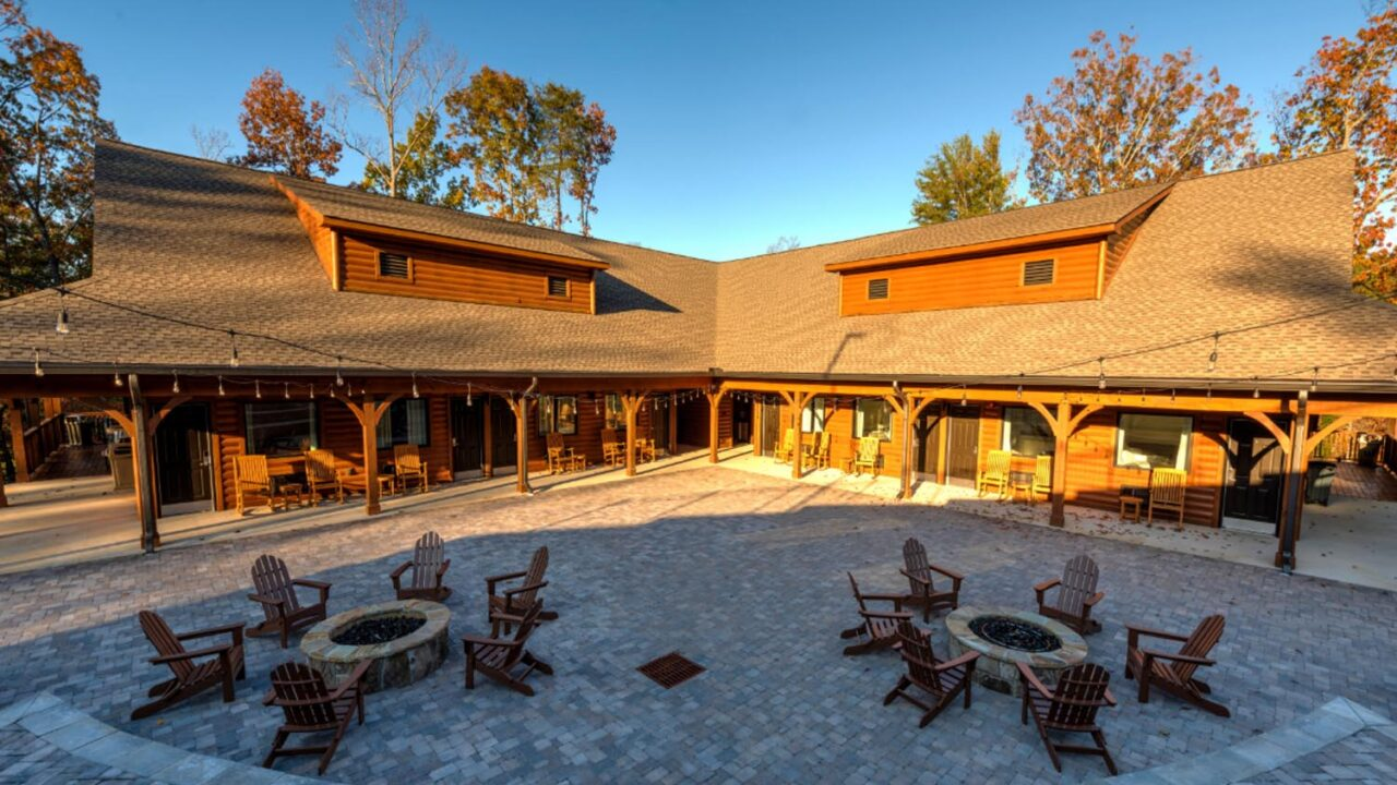 camp_woodlands_exterior