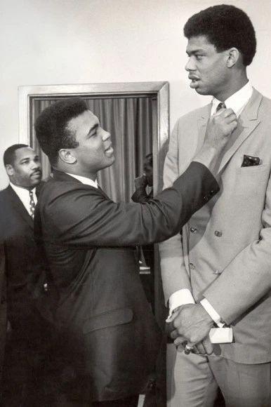 Ali with Kareem Abdul-Jabbar, Cleveland, 1967