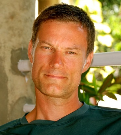 043- Dr  Geoff Outerbridge Discusses World Spine Care and