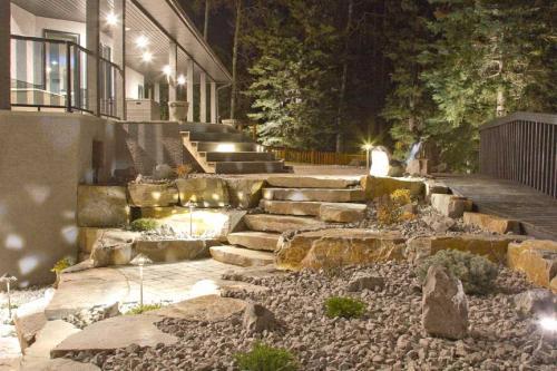 Edmonton_Landscaping_Fence_Patios_Rock_Gardens_073