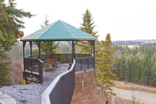 Edmonton_Landscaping_Fence_Patios_Rock_Gardens_138