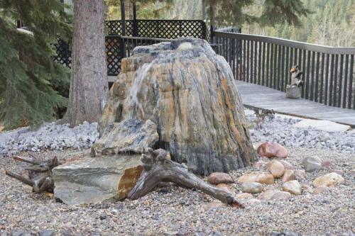 Edmonton_Landscaping_Fence_Patios_Rock_Gardens_142