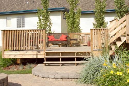 Edmonton_Landscaping_Patios_Rock_Gardens_Decks_4