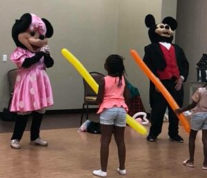 Mickey Mouse, Minnie Mouse Party - M-I-C, see you real soon! For a Mickey Mouse birthday party or Minnie Mouse party, hire Magicians Chicago, kid's parties in Chicago, IL. 90 minutes $200.