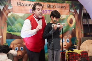 {Hire Magicians Chicago}   Hire Kids Magicians, Strolling Close Magician/ Balloon Twister, Face Painter, Party Characters or combinations of these skills - 90 minutes $200