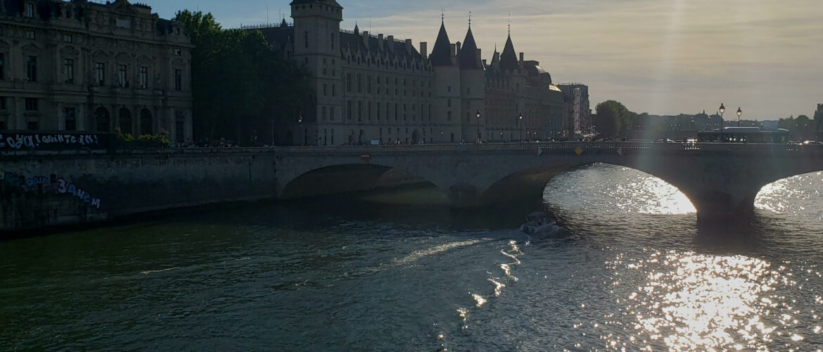 A view of the river running through paris