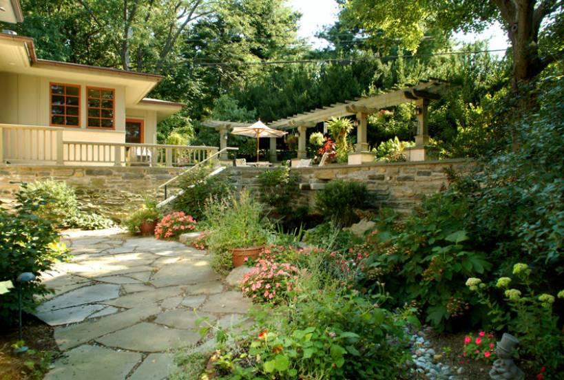 Hillside Terrace Garden