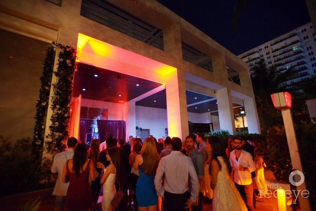 W South Beach Hotel Club Wall Lounge