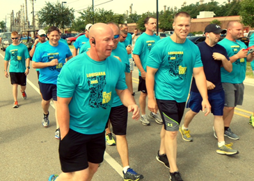 Sheriff's deputies begin their run.