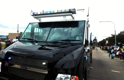 Sheriff's Office mobile command post to lead parade and send out location updates.