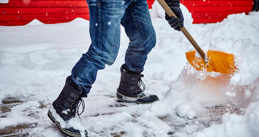 Snow-Shoveling_850x450