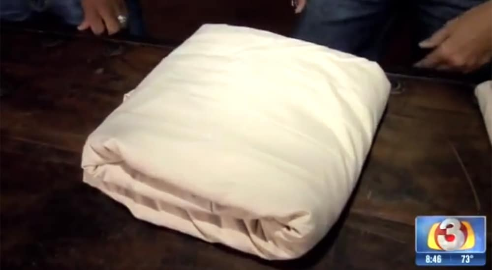 Final, folded fitted sheet