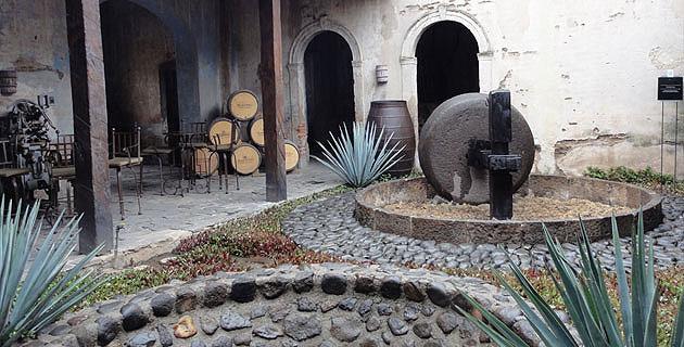 Destileria La Rojeña 10 mejores lugares para conocer en Ciudad de Tequila, Jalisco México