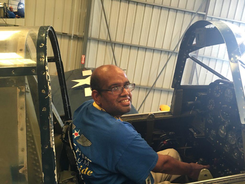 at-planesoffame-volunteer