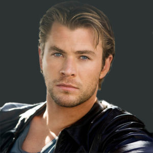 Caradoc Dearborn (Chris Hemsworth)