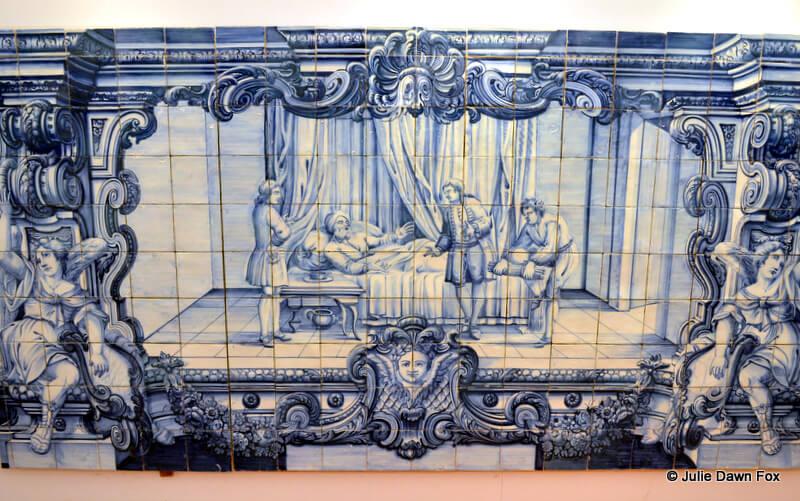 painted azulejo depicting a fable, São Vicente de Fora Monastery