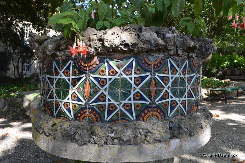 Ceramics in the garden, Museu da Cerâmica, Caldas da Rainha