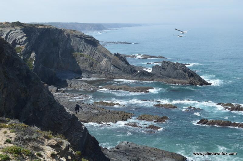 Dragon rocks and seagulls, Rota Vicentina