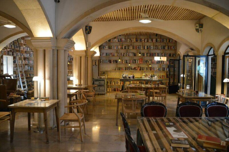 Books galore, The Literary Man Hotel Obidos