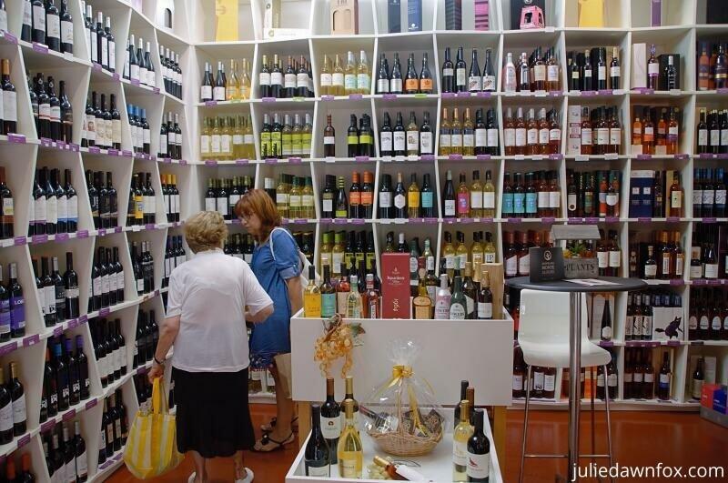 Wine shop, Casa da Baia