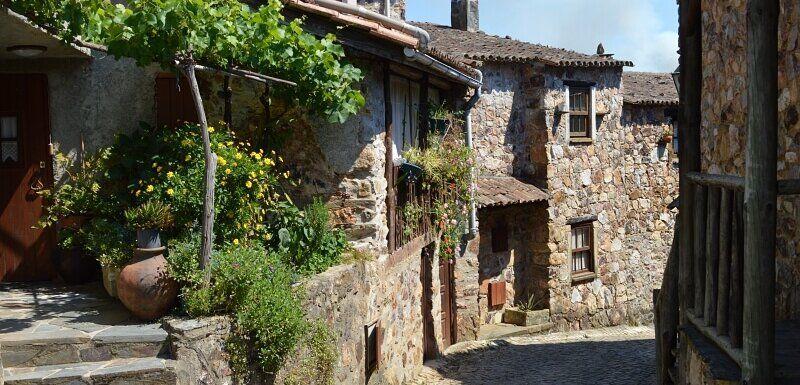 Pretty street and stone cottages, Casal de São Simão