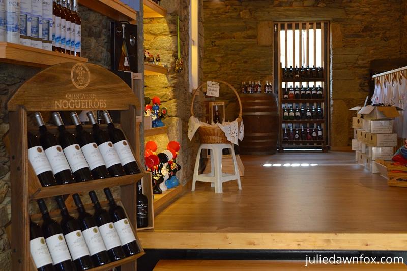 Wine and souvenir shop, São João da Pesqueira
