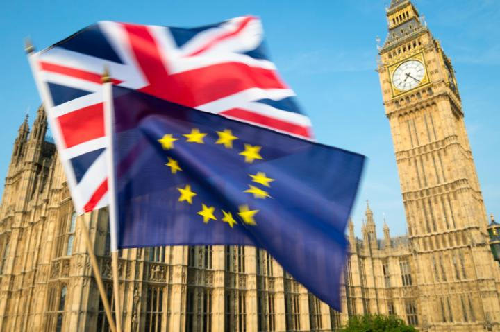 101371839_flags-brexit.news-large