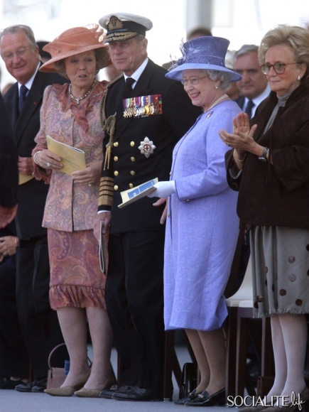 queen-beatrix-netherlands-through-the-years-01292013-06-435x580