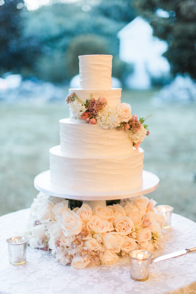 wedding cake by Lovely Cakes