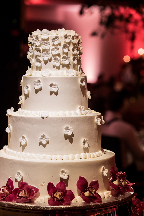 Temple Emanu-el wedding cake