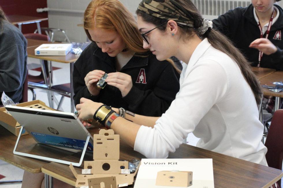 Tres Escuelas De La Misericordia Ganan Doble Distinción Con Recibir Premios De Diversidad Femenina En AP Informática