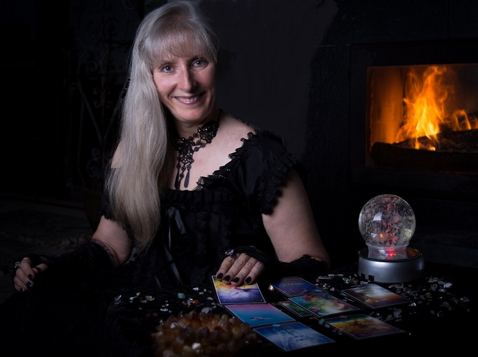 Psychic Adviser, Fortune Telling