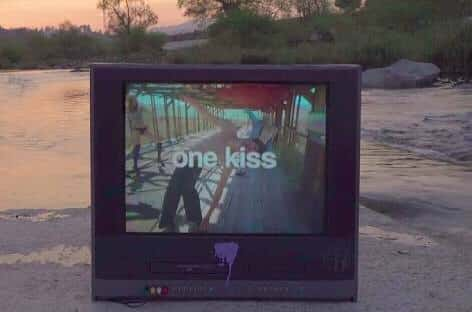 Calvin Harris, Dua Lipa – One Kiss