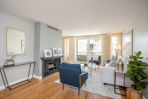 1300 Midvale Ave-11