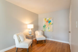 1300 Midvale Ave-12
