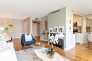 1300 Midvale Ave-15