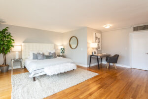 1300 Midvale Ave-2