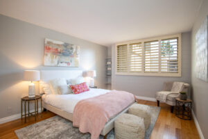 1300 Midvale Ave-20
