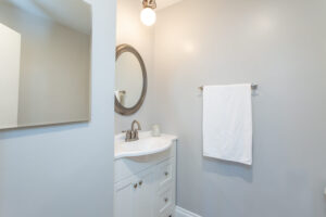 1300 Midvale Ave-26